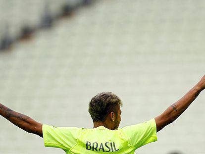 Neymar, durante el entrenamiento en Fortaleza.
