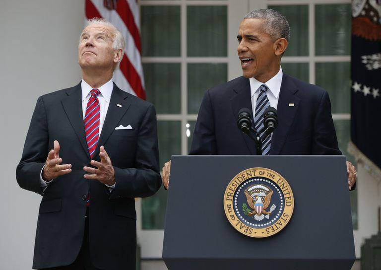 Barack Obama, junto al entonces vicepresidente, Joe Biden, en una imagen del 9 de noviembre de 2016, en el exterior de la Casa Blanca.