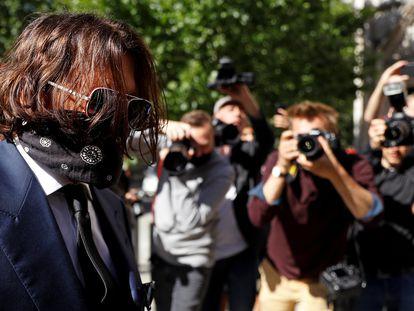 Johnny Depp llega a los juzgados de Londres, este martes.