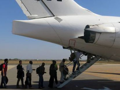 Funcionarios de la ONU abandonan Juba rumbo a Uganda.