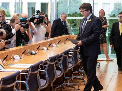 Carles Puigdemont, a su llegada a una rueda de prensa en Berlín en 2018.