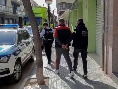 Detención de uno de los acusados de la estafa con los pisos turísticos.
