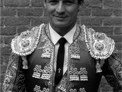 El torero José María Manzanares, vestido de luces, el 25 de mayo de 1987.