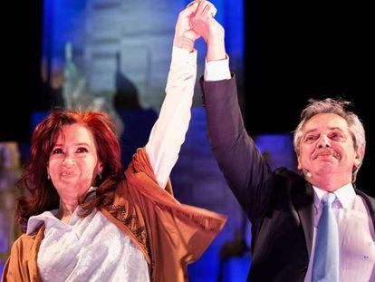 Cristina Fernández de Kirchner y Alberto Fernández en el cierre de campaña en Rosario. En vídeo, declaraciones de Alberto Fernández y Cristina Fernández de Kirchner.