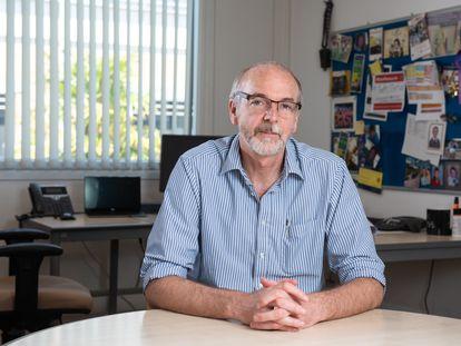 Andrew-Pollard, en su despacho.