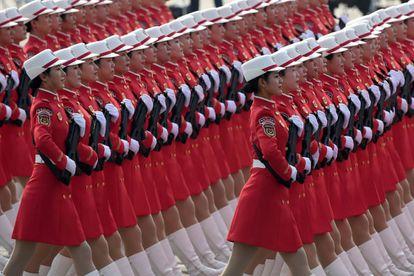 Miembros del Ejército Popular de Liberación de China, en un desfile militar en Beijing, el 1 de octubre de 2019.