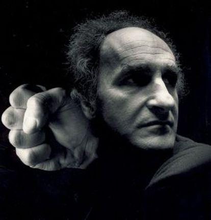 El escultor donostiarra Eduardo Chillida fue uno de los modelos de Alberto Schommer para la serie que le llevó a la popularidad: los 'Retratos psicológicos', ejecutados en los años setenta y ochenta.