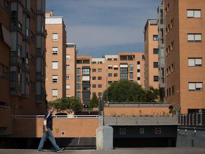 El fraude en la venta y alquiler de vivienda protegida en Madrid se concentra en nuevos barrios como el Ensanche de Vallecas.