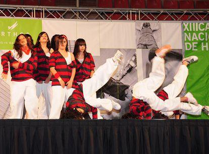 Actuación de uno de los grupos que ha participado en el XIII Campeonato Nacional de Hip Hop.