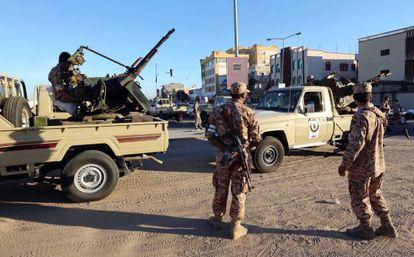 Militares ante el tribunal que juzga al jefe de la inteligencia de Gadafi