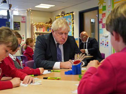 Boris Johnson, durante una visita este viernes a un colegio en Westbury On Trym (Reino Unido).
