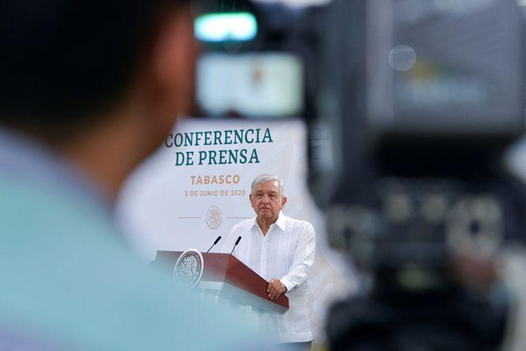 El presidente de México, Andrés Manuel López Obrador, en una rueda de prensa en Tabasco (México).