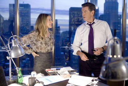 Sarah Jessica Parker y Pierce Brosnan, en <i>Tentación en Manhattan.</i>