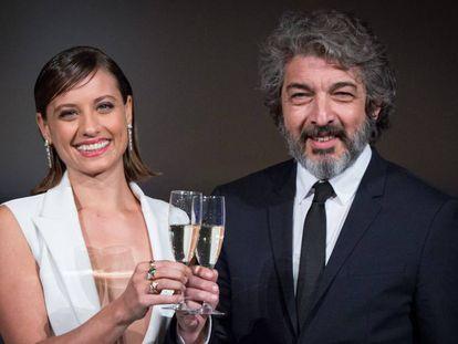 Michelle Jenner y Ricardo Darín, en la presentación en Madrid del anuncio de Freixenet para esta Navidad.