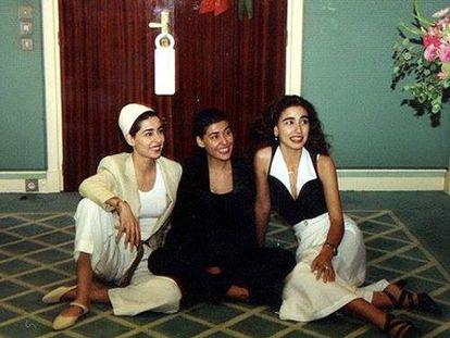Las princesas Sahar, Maha y Hala, visitando a su padre en una estancia en Marruecos.
