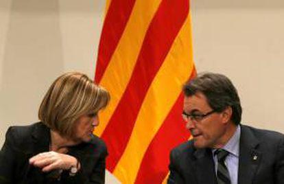 El presidente de la Generalitat, Artur Mas, y la presidenta del Parlament de Catalunya, Núria de Gispert. EFE/Archivo