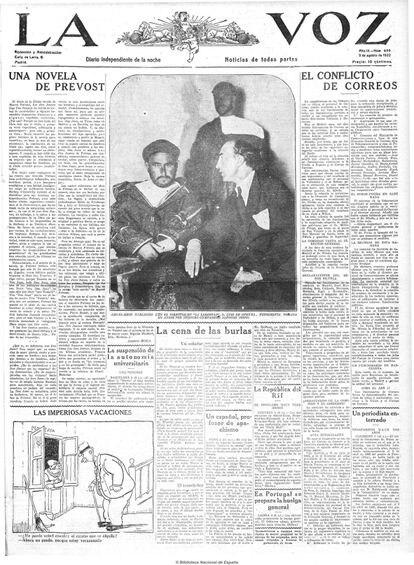 Portada del diario 'La Voz' del 5 de agosto de 1922 en la que aparece Abdelkrim junto a Luis de Oteyza fotografiados por Alfonsito.