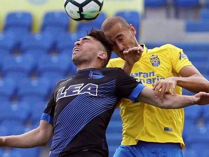 Munir lucha con Gálvez.