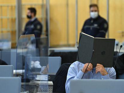 Un presunto miembro de la 'Ndrangheta, en el tribunal en la ciudad alemana de Düsseldorf, el pasado día 12.