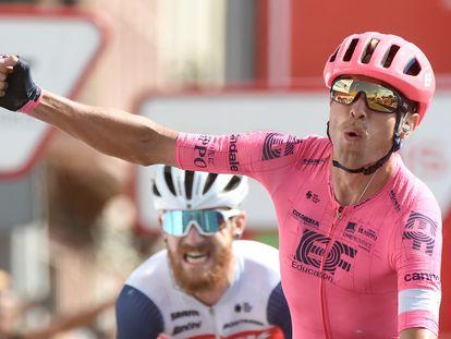 Magnus Cort celebra en Monforte su tercera victoria en la Vuelta.