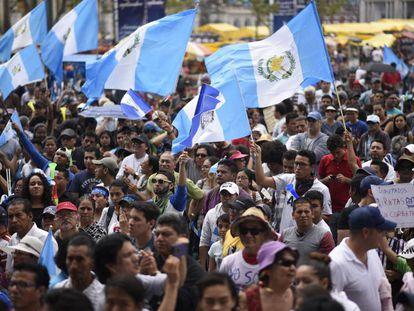 Una manifestación la renuncia de Morales.