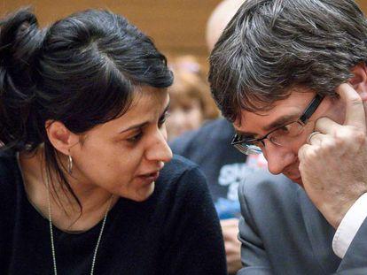 Anna Gabriel y Carles Puigdemont, este lunes en un acto en Ginebra.
