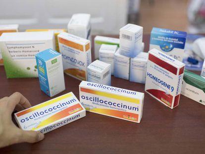 Productos de homeopatía en una farmacia de Madrid.