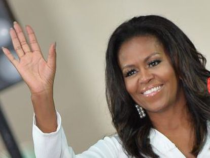 La ex primera dama posa como una modelo para la portada de la revista  Elle  donde es entrevistada por Oprah Winfrey con quien desvela aspectos íntimos de su vida
