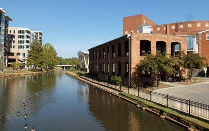 El río Reedy a su paso por Greenville (Carolina del Sur).
