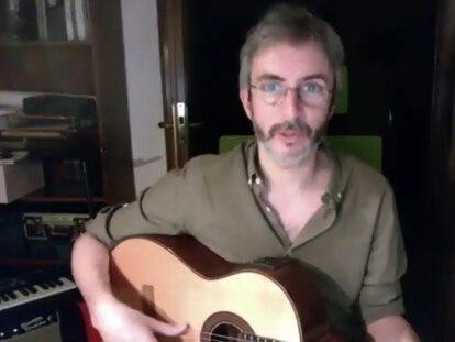 El músico Xoel López en un encuentro virtual con lectores de EL PAÍS.