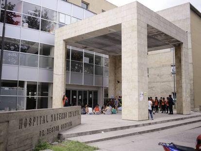 Fachada del hospital Materno Infantil Héctor Quintana de Salvador de Jujuy.