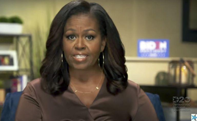 La ex primera dama Michelle Obama, durante su discurso.