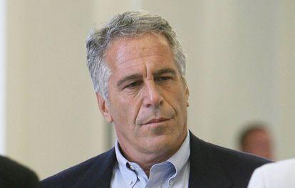 El millonario Jeffrey Epstein en Palm Beach, Florida.