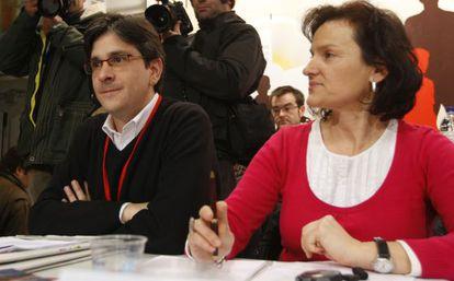 Isabel Salud y Mikel Arana, en un acto de Ezker Anitza-IU.