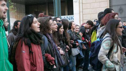 Manifestación de estudiantes contra las políticas de austeridad en Atenas en 2017.