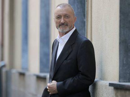 Arturo Pérez-Reverte, retratado en Madrid.