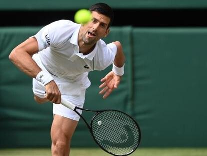 Djokovic durante la final de Wimbledon ante Berrettini.