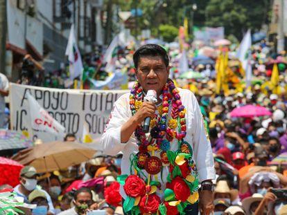 Mario Moreno Arcos, candidato del PRI y PRD a la gubernatura de Guerrero durante un acto de campaña el 21 de mayo.