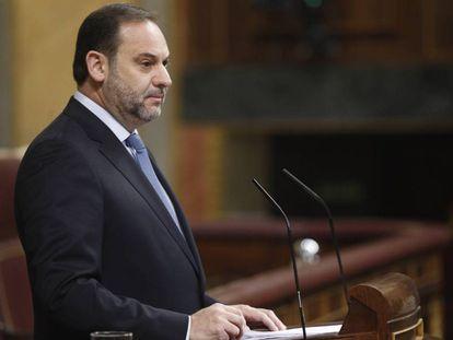 El ministro de Fomento, José Luis Ábalos, este martes en el Congreso.