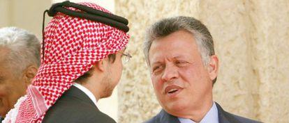 El rey  Abdalá de Jordania y el príncipe Husein el domingo en Ammán.