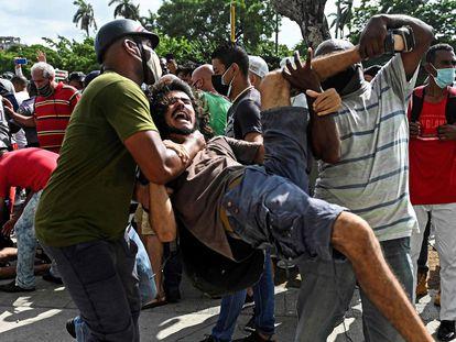 El estudiante universitario Leonardo Romero Negrín, detenido en la manifestación del 11 de julio frente al Capitolio de La Habana.