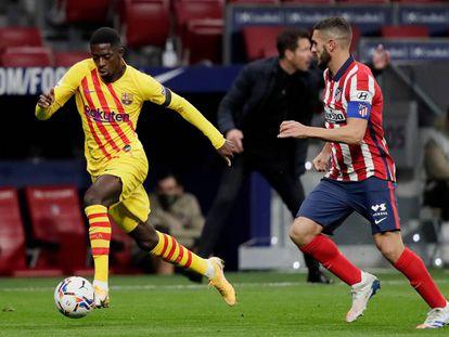 Ousmane Dembélé y Koke Resurrección en el partido de la primera vuelta entre FC Barcelona y Atlético de Madrid.