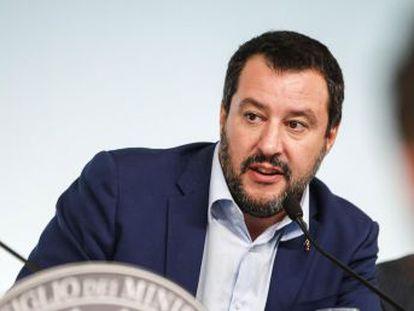 El Gobierno italiano se compromete  a tomar todas las medidas necesarias  si sus predicciones sobre el impacto de las cuentas no se cumplen