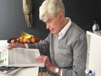 Mario Bunge, en una fotografía que envió a los autores con motivo de su 100 cumpleaños.