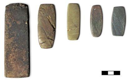 Pesas del 2000 a. C. encontradas en el sur de Italia