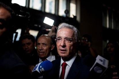 El expresidente Álvaro Uribe a su llegada a la Corte Suprema de Justicia en octubre de 2019, antes de renunciar al Senado.