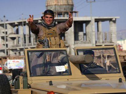 Peshmerga iraquies en territorio turco se dirigen a la ciudad siria de Kobane