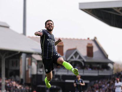 Bernardo Silva celebra un gol en Fulham.