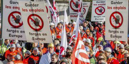 Miles de trabajadores de empresas de acero se manifiestaron el pasado lunes en Bruselas.
