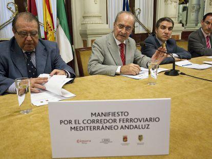 Pérez Casero (Cámara de Comercio), De la Torre (alcalde de Málaga), Bendodo (presidente de la Diputación) y el empresario González de Lara.